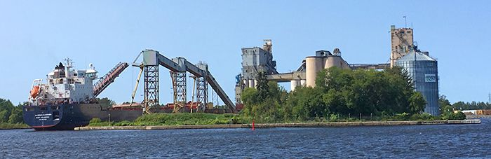 Algoma Mariner loading   Grain at Superior Elevator  Lake Superior News